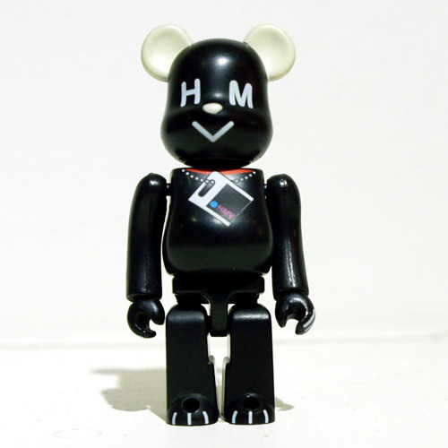 Be@rbrick 100% HMV DOG(黑) 개봉, 흠집
